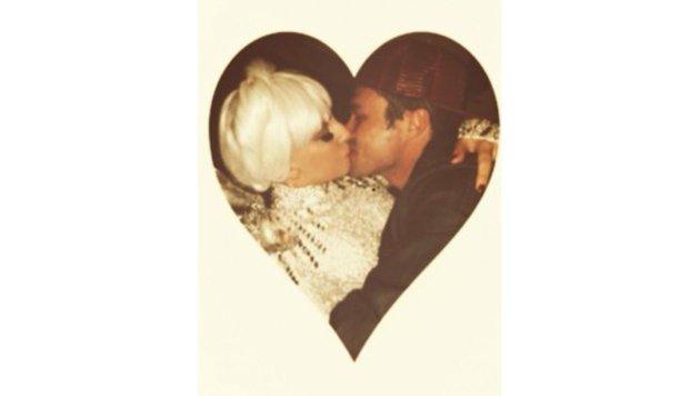 Lady Gaga postete dieses Foto am Valentinstag 2014, ein Jahr später bat Taylor Kinney um ihre Hand. (Bild: Viennareport)