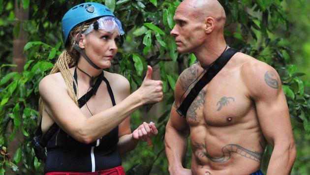 Helena und Thorsten müssen auf Schatzsuche gehen. (Bild: RTL)