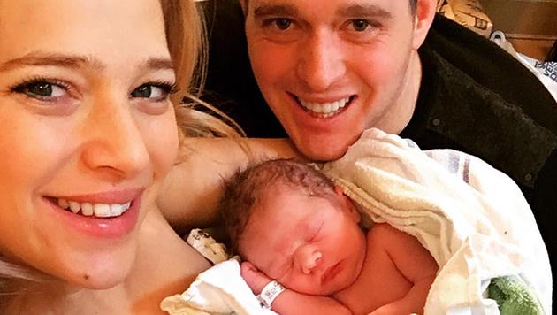 Michael Bublé zeigt auf Instagram stolz seinen kleinen Sohn. (Bild: instagram.com/michaelbuble)