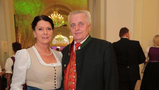 Bundespräsidentschaftskandidat Rudolf Hundstorfer mit Gattin Karin (Bild: Starpix/Alexander Tuma)