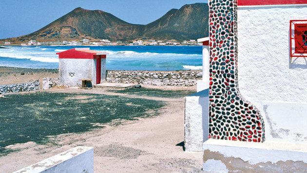 Ein Land der Kontraste zwischen Bergen und dem Meer (Bild: mauritius images)