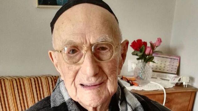 Yisrael Kristal, aufgenommen am 21. Jänner 2016 in seiner Wohnung in Haifa. (Bild: APA/AFP/Shula Kopershtouk)