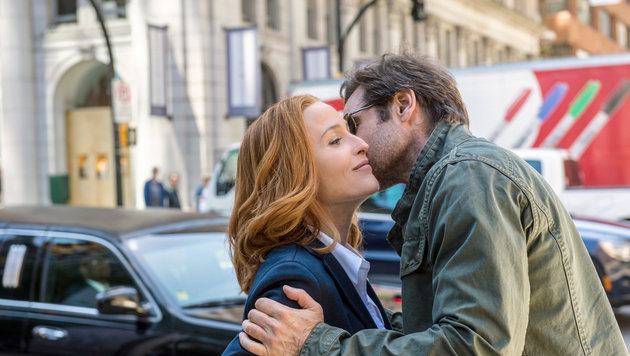 Mulder (David Duchovny) und Scully (Gillian Anderson) (Bild: ORF)