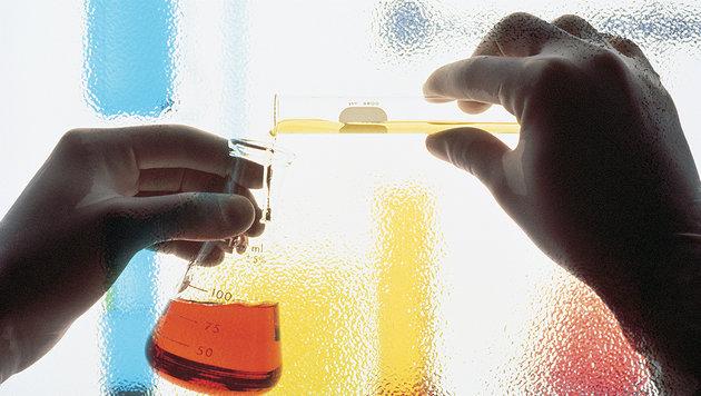 Experimente mit Chemikalien führten zu Explosion (Bild: thinkstockphotos.de (Symbolbild))