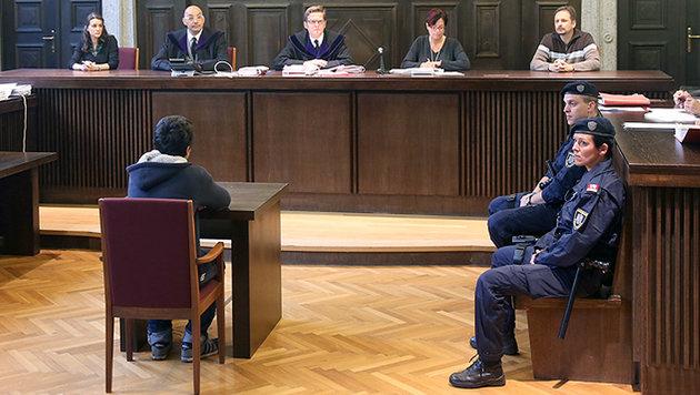 Dieser 15-jährige IS-Sympathisant wurde in Österreich schon zweimal zu Haftstrafen verurteilt. (Bild: Peter Tomschi)