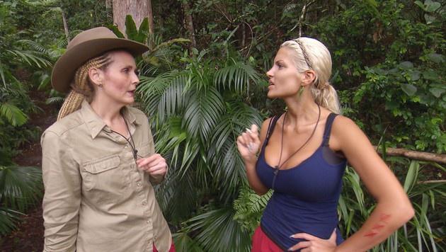 Helena und Sophia sind die letzten beiden Frauen im Camp. (Bild: RTL)