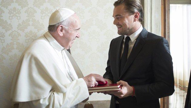 Papst Franziskus bekam Besuch von Leonardo DiCaprio. (Bild: EPA)
