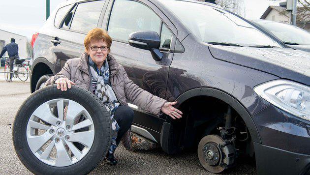 Autohändlerin Renate Leitner ist sauer. (Bild: Werner Kerschbaummayr/foto-kerschi.at)