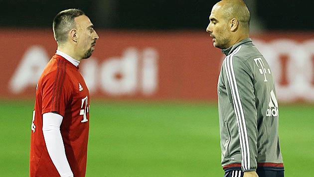 Bayern-Stars zu dick? Guardiola zieht Zügel an (Bild: APA/AFP/-)