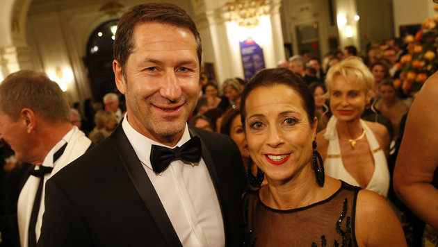 Sturm-Trainer Franco Foda mit Gattin Andrea (Bild: APA/ERWIN SCHERIAU)