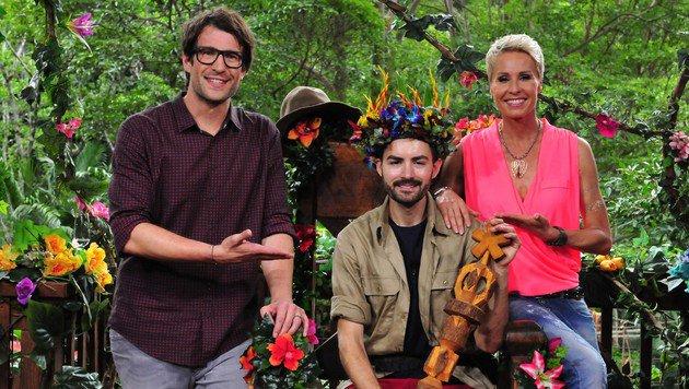 Menderes Bagci eroberte die Herzen der Zuschauer und durfte am Ende auf den Dschungel-Thron. (Bild: RTL/Stefan Menne)