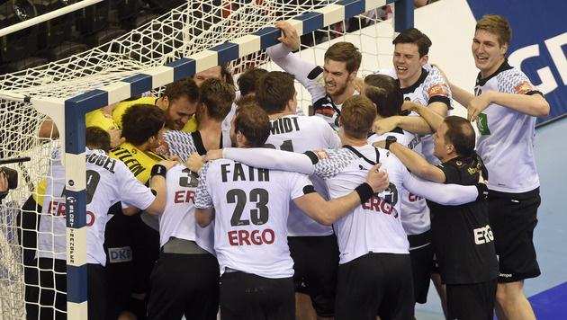 Unfassbar! Deutsche Handballer jagen zum EM-Titel! (Bild: AP)