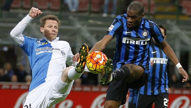 Hart zur Sache gingâ019s bei Inter Mailand gegen Chievo Verona. (Bild: AP)