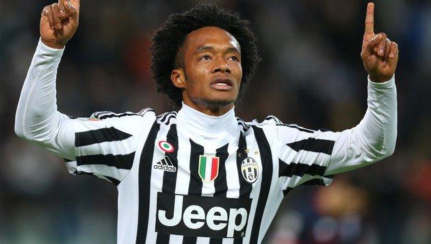 Da freut sich Juventus-Ass Juan Cuadrado. (Bild: AFP)