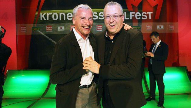 """Zwist vergessen! Beim """"Krone""""-Fußballfest lachten Pariasek und Wohlfahrt wieder gemeinsam. (Bild: Reinhard Judt)"""