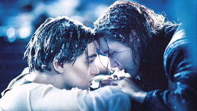 "Jack (Leonardo DiCaprio) und Rose (Kate Winslet) in ""Titanic"" (1997) (Bild: 20th Century Fox)"