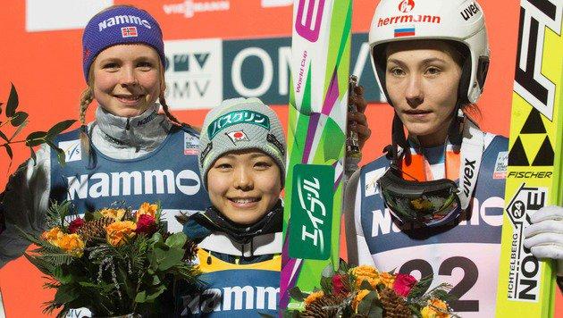 Die Top 3 in Oslo: Maren Lundby, Sara Takanashi und Irina Awwakumowa (Bild: APA/AFP/NTB SCANPIX/TERJE BENDIKSBY)