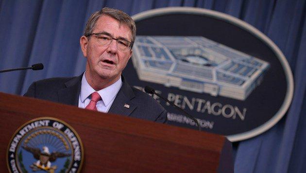 US-Verteidigungsminister Ashton Carter betrachtet Russland als Bedrohung. (Bild: APA/AFP/GETTY IMAGES/CHIP SOMODEVILLA)