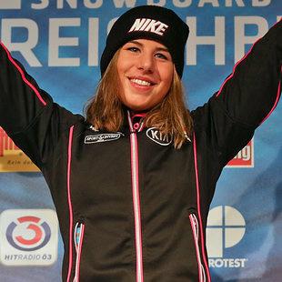 Snowboard-Weltmeisterin startet in Ski-Abfahrt (Bild: GEPA)