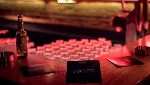 """""""Am Karlsplatz ist jetzt der Eingang zum """"Hades"""" (Bild: facebook.com / Hades)"""""""