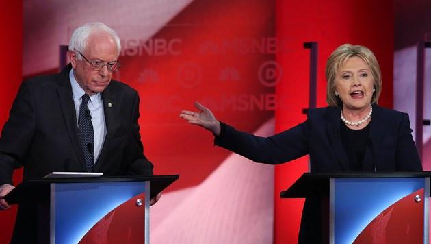 Hillary Clinton im Wortgefecht mit Bernie Sanders (Bild: APA/AFP/GETTY IMAGES/JUSTIN SULLIVAN)