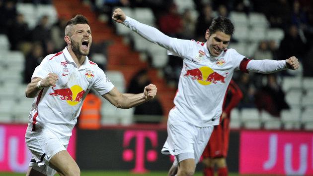 Red Bull Salzburg kämpft sich zu 2:1 bei Admira (Bild: APA/HANS PUNZ)