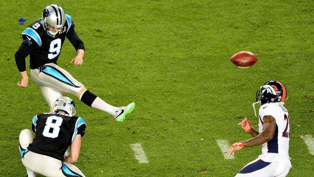 Graham Gano mit einem Field Goal für die Panthers (Bild: Getty Images)