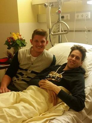 Morgenstern besucht Lukas M�ller im Krankenhaus (Bild: facebook.com)