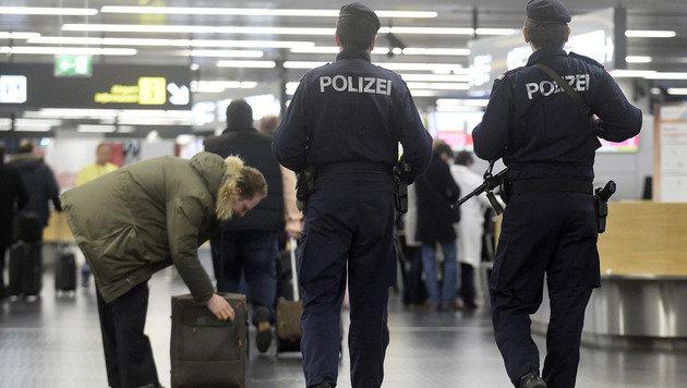 Wien: 22 und 14 Monate Haft für Dschihadisten-Paar (Bild: APA/HELMUT FOHRINGER (Symbolbild))