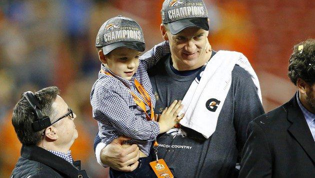 Peyton Manning mit Sohn Marshall (Bild: Getty Images)