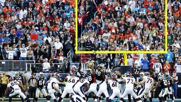 Brandon McManus mit dem 35-Yards-Field-Goal zur 16:7-Führung für die Denver Broncos. (Bild: Getty Images)