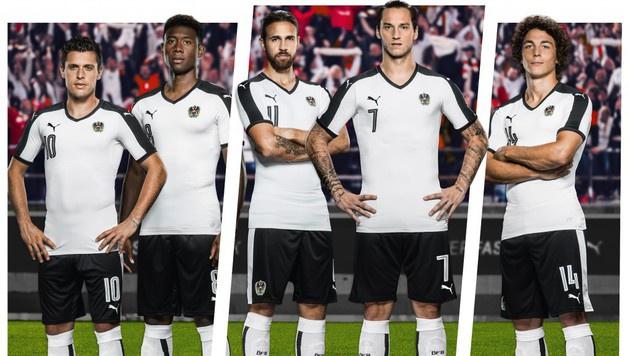 "ÖFB-Stars ""lieben"" das neue Auswärtstrikot (Bild: PUMA)"