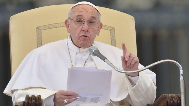 Papst Franziskus fordert Schonfrist für Trump (Bild: AFP)