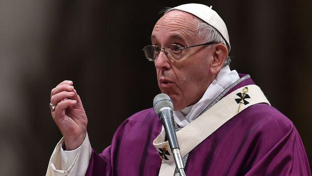 Papst Franziskus (Bild: APA/AFP/Alberto Pizzoli)