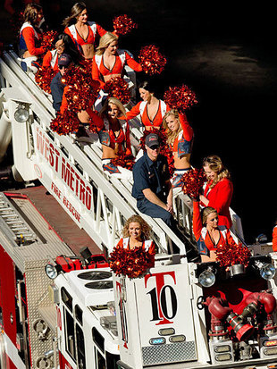 Sportpics: Cheerleader-Parade f�r Superbowl-Helden (Bild: APA/AFP/GETTY IMAGES/Justin Edmonds)