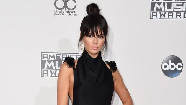 """Kendall Jenner löste mit ihrem """"Tinkerbell-Dutt"""" einen wahren Hype aus. (Bild: APA/AFP/VALERIE MACON)"""
