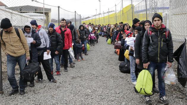 Ankommende Flüchtlinge in Spielfeld (Bild: Klemens Groh)