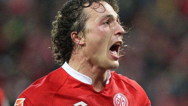Video: Baumgartlinger köpfelt Mainz zum Sieg (Bild: APA/AFP/DANIEL ROLAND)
