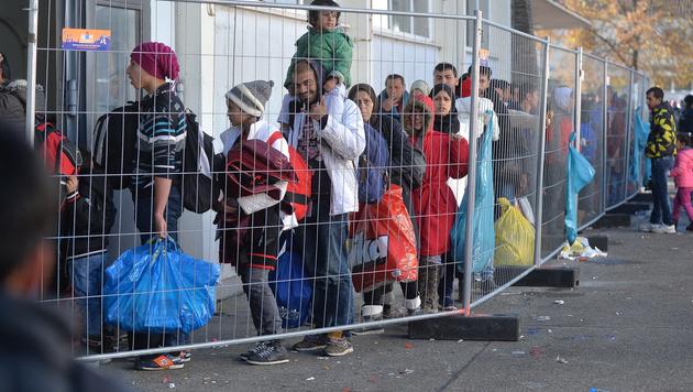 Deutschland bremst längst heimlich den Asylzustrom (Bild: APA/BARBARA GINDL)