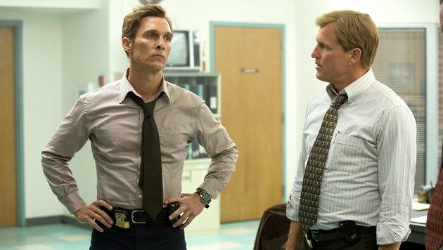 """Matthew McConaughey und Woody Harrelson in der ersten Staffel """"True Detective"""" (Bild: HBO)"""