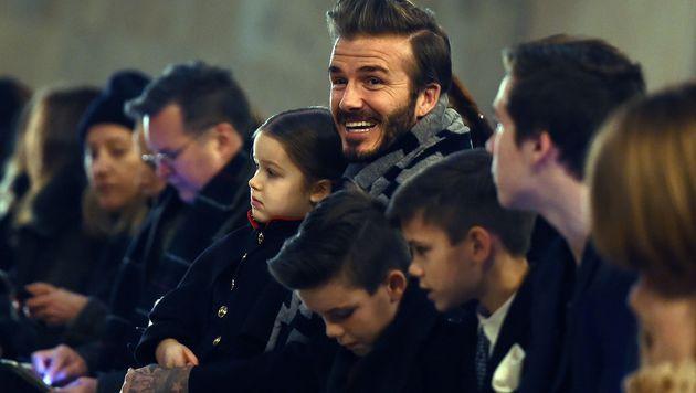 Die Beckham-Familie unterstützte Victoria bei der Fashion Week in New York. (Bild: APA/AFP/JEWEL SAMAD)