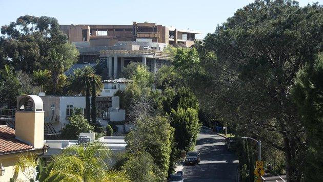 """Der Bau der """"Giga-Villa"""" geht voran. (Bild: ORANGE COUNTY REGISTER, ED CRISOSTOMO)"""
