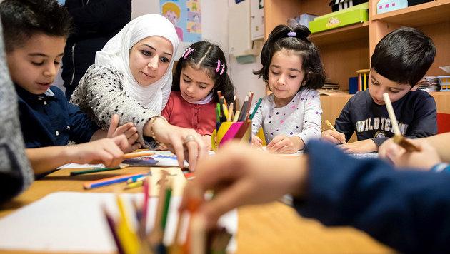 Zehn Sonderklassen f�r Fl�chtlingskinder in Wien (Bild: APA/dpa/Gregor Fischer)