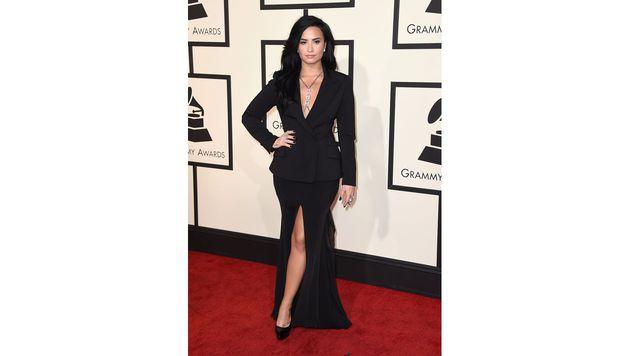 Auch Demi Lovato zeigte Dekolleté und Bein. (Bild: Jordan Strauss/Invision/AP)