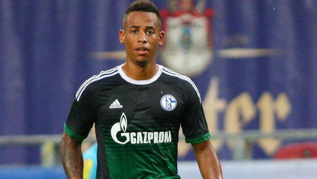 Schalke-Kicker Aogo während Interviews beklaut! (Bild: GEPA)
