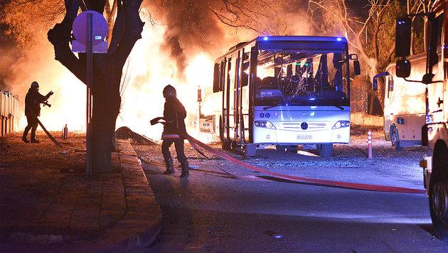 Ankara: 28 Tote bei Anschlag auf Milit�rkonvoi (Bild: AP)