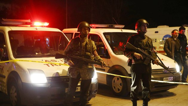 Ankara: 28 Tote bei Anschlag auf Militärkonvoi (Bild: APA/AFP/ADEM ALTAN)