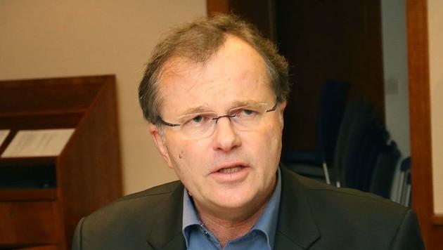 Volksanwalt Günther Kräuter sorgt sich um die Heimbewohner. (Bild: Jürgen Radspieler)