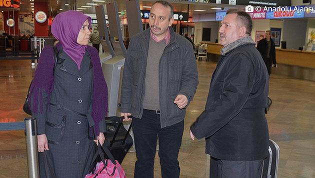 Yakup A. trat nun mit seiner Frau  die Heimreise in die Türkei an. (Bild: haberjournal.at)