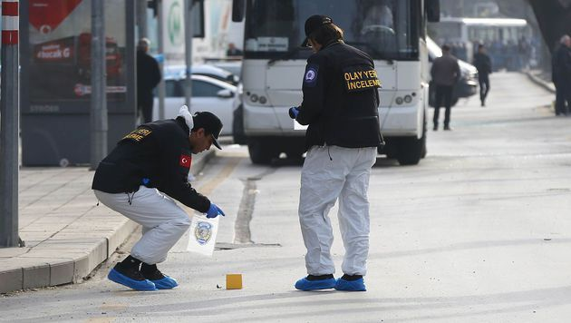 Kurdengruppe TAK bekennt sich zu Ankara-Anschlag (Bild: APA/AFP/ADEM ALTAN)
